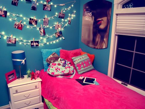 Cool Room Idea Hang Up White Xmas Lights And Attach