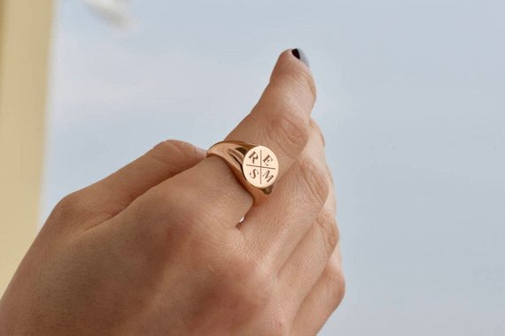 a34790ee8b623 Family Signet Ring - Personalized Signet Ring - Signet Ring - Gold ...