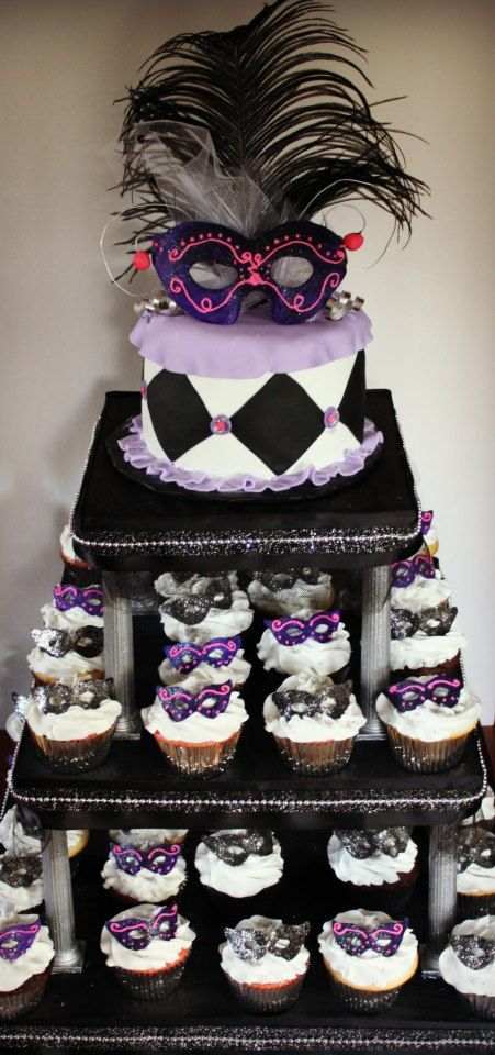 Masquerade Cupcake And Cake Would Be Cool To Have If I
