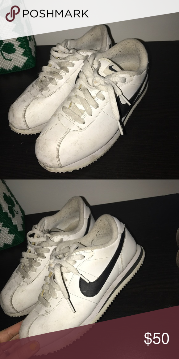 new arrival 1d2e9 b60ea Nike cortez Not in bad condition just a little dirty that can be washed!  Feel free to make offers ) I wear a 7.5 -8 and there a little small on me  Shoes ...