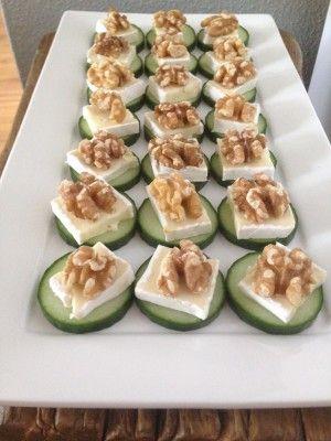 Populair Een eenvoudig, maar heerlijk hapje.. Een plakje komkommer, stukje &JP96