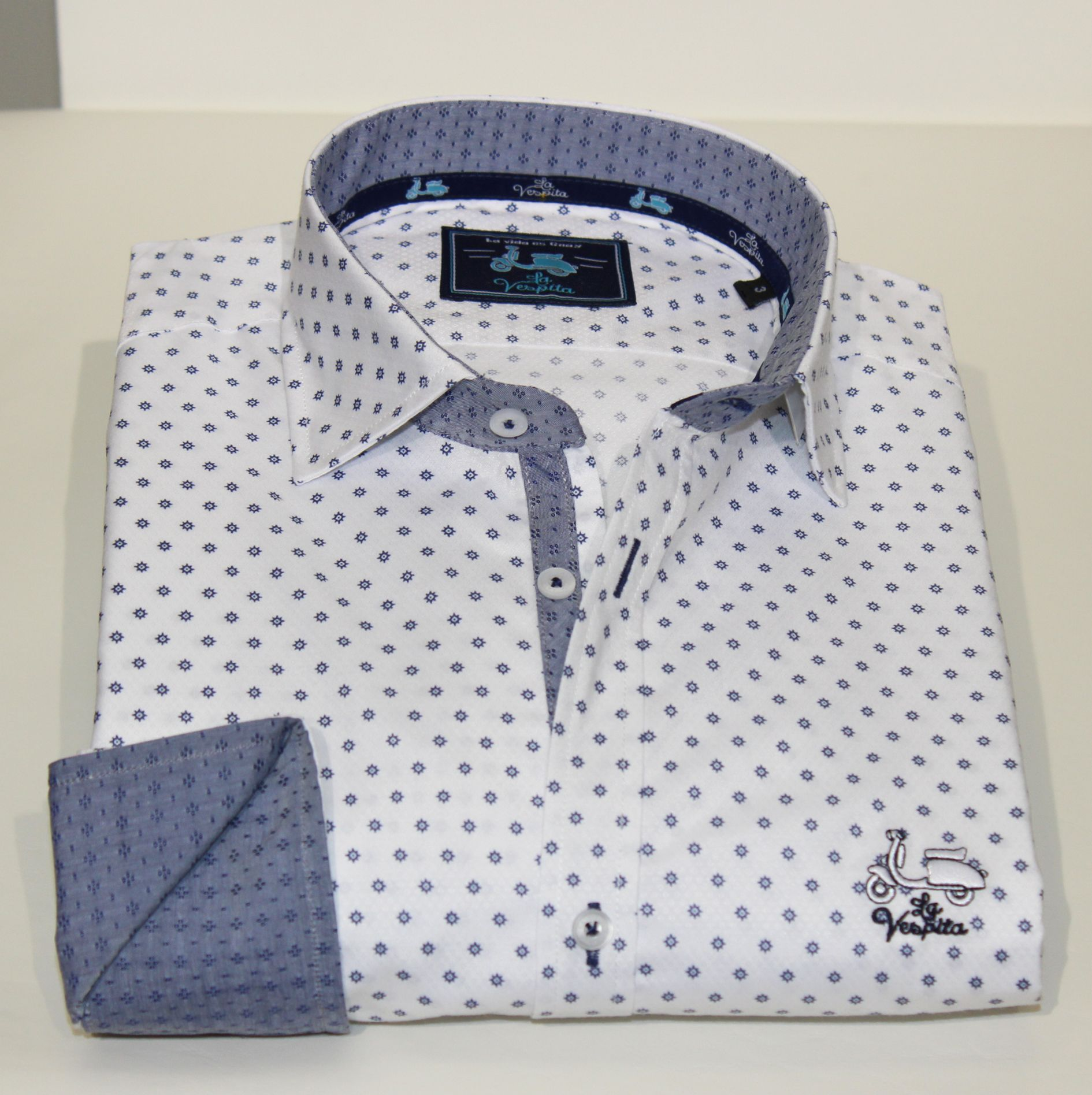 4e399506dbb Comprar camisa La Vespita - Camisa manga larga estampada lisa blanca con  cuello y puño azul