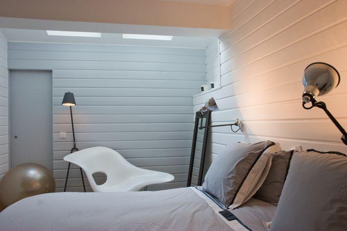 Beautiful Chambre Lambris Blanc Contemporary - Matkin.info ...