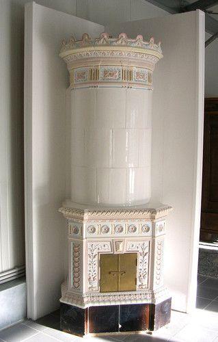4 kachelofen antik schweden schwedisch h he 242 cm rund m sockel verziert weiss ebay cookin. Black Bedroom Furniture Sets. Home Design Ideas