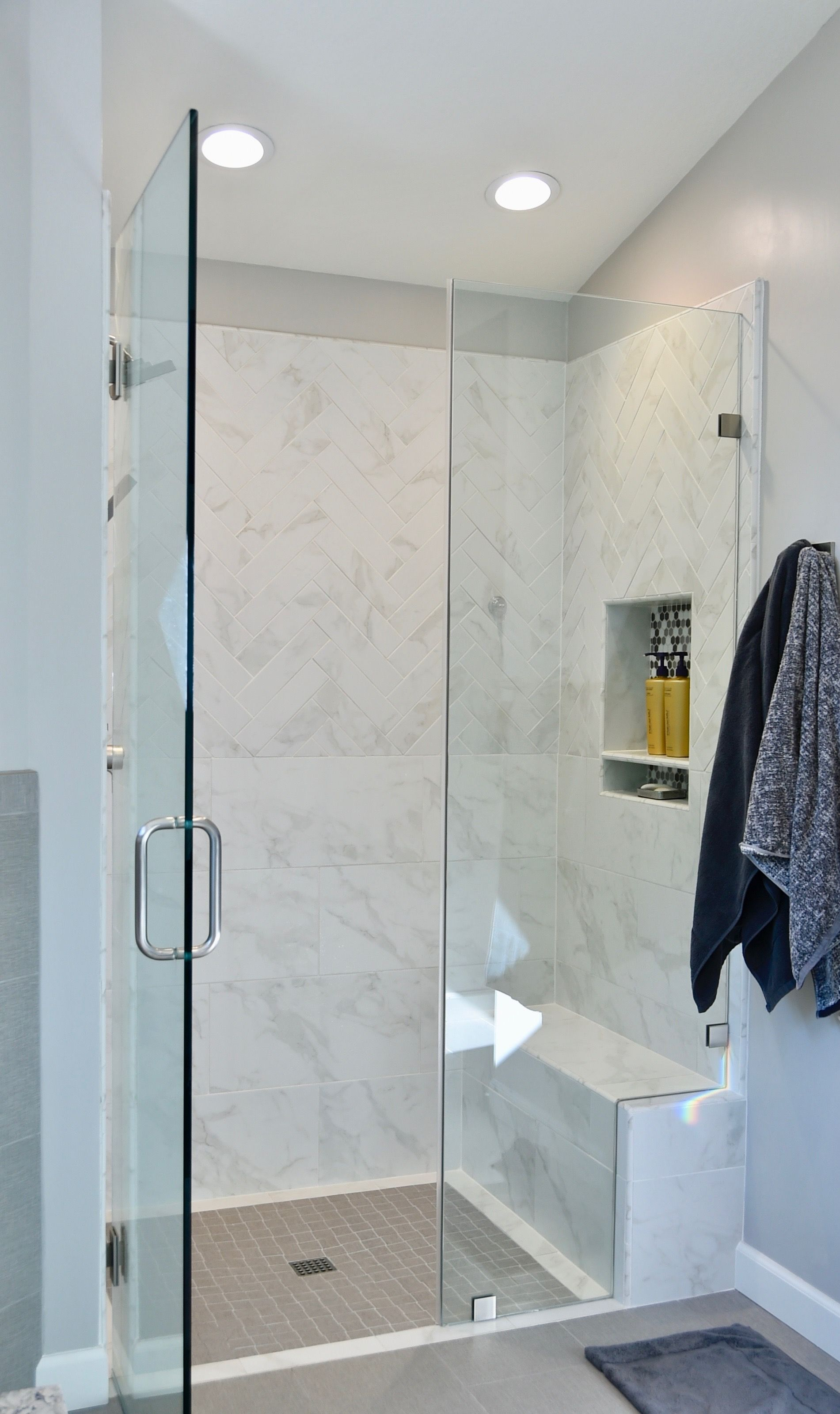Shower Remodel Curb Less Shower With Soap Niche And Bench Themar