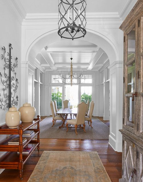 Relaxed Southern Living in Georgian Home images