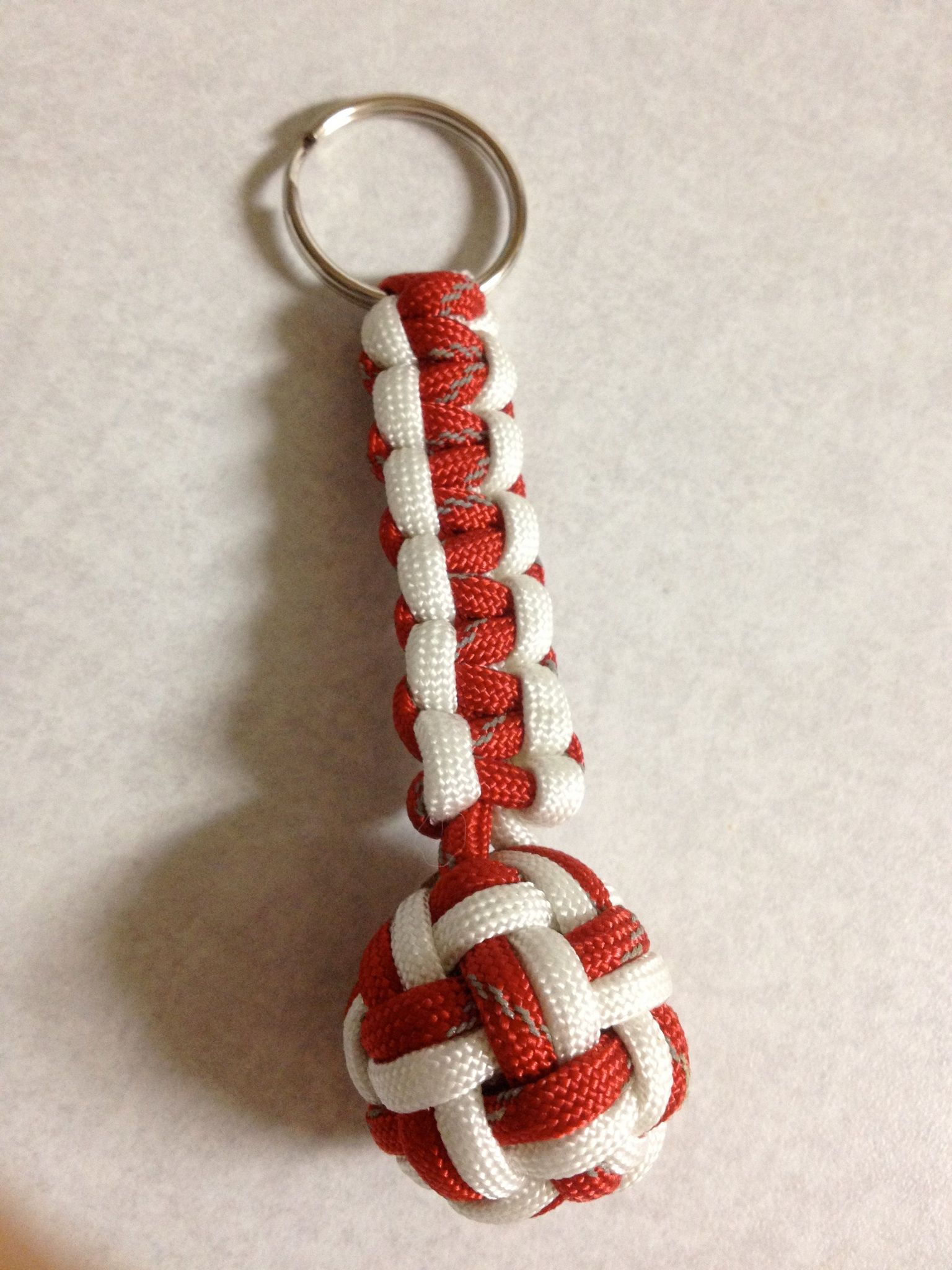 Paracord Globe Knot Keychain Www Facebook Com 550paracord