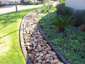 French Drain Design Ideas Pictures Remodel And Decor Backyard Drainage Front Yard Landscaping Lawn Design