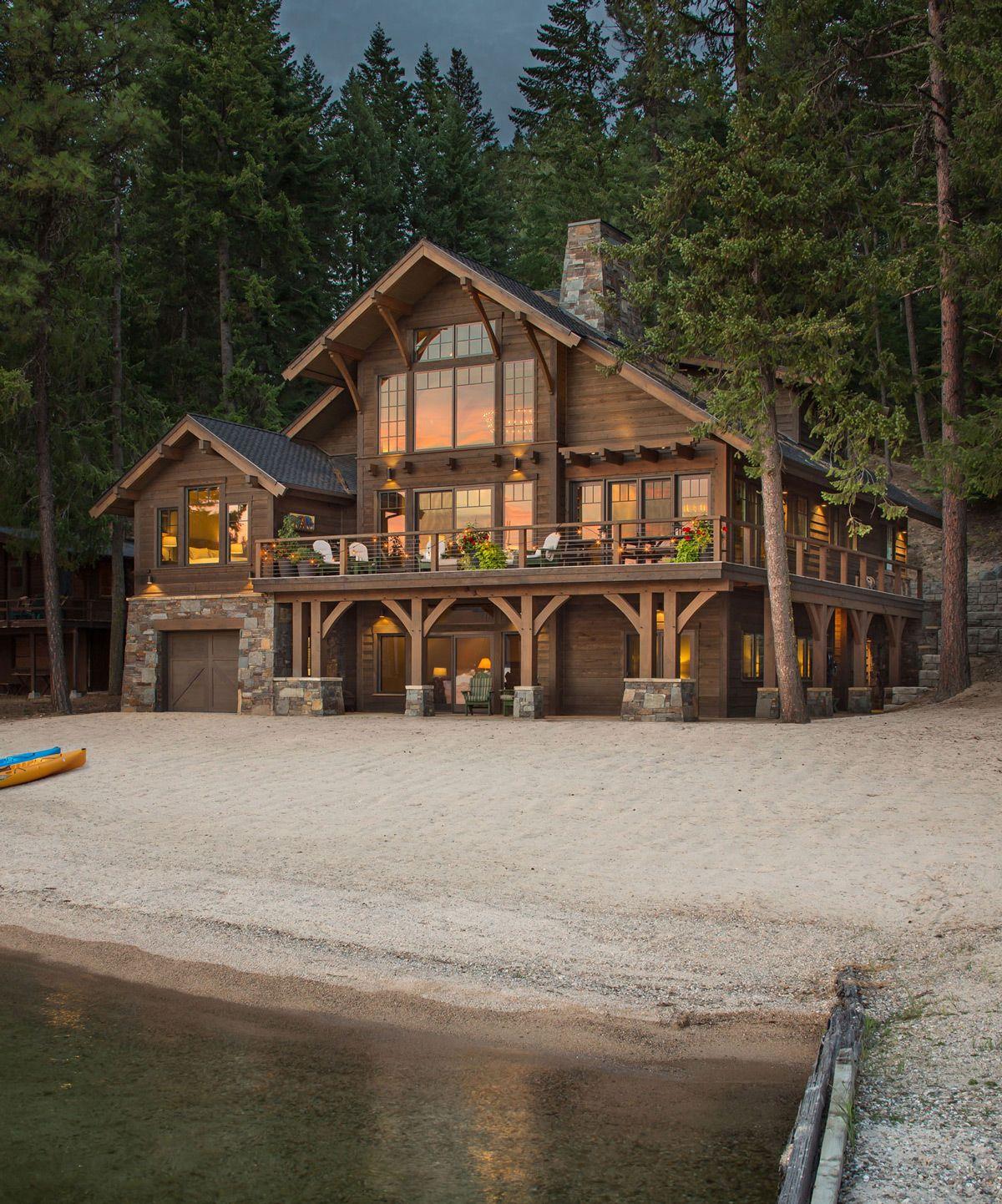 A Beachfront Cabin At Priest Lake Lake Houses Exterior Rustic Houses Exterior Mountain Home Exterior