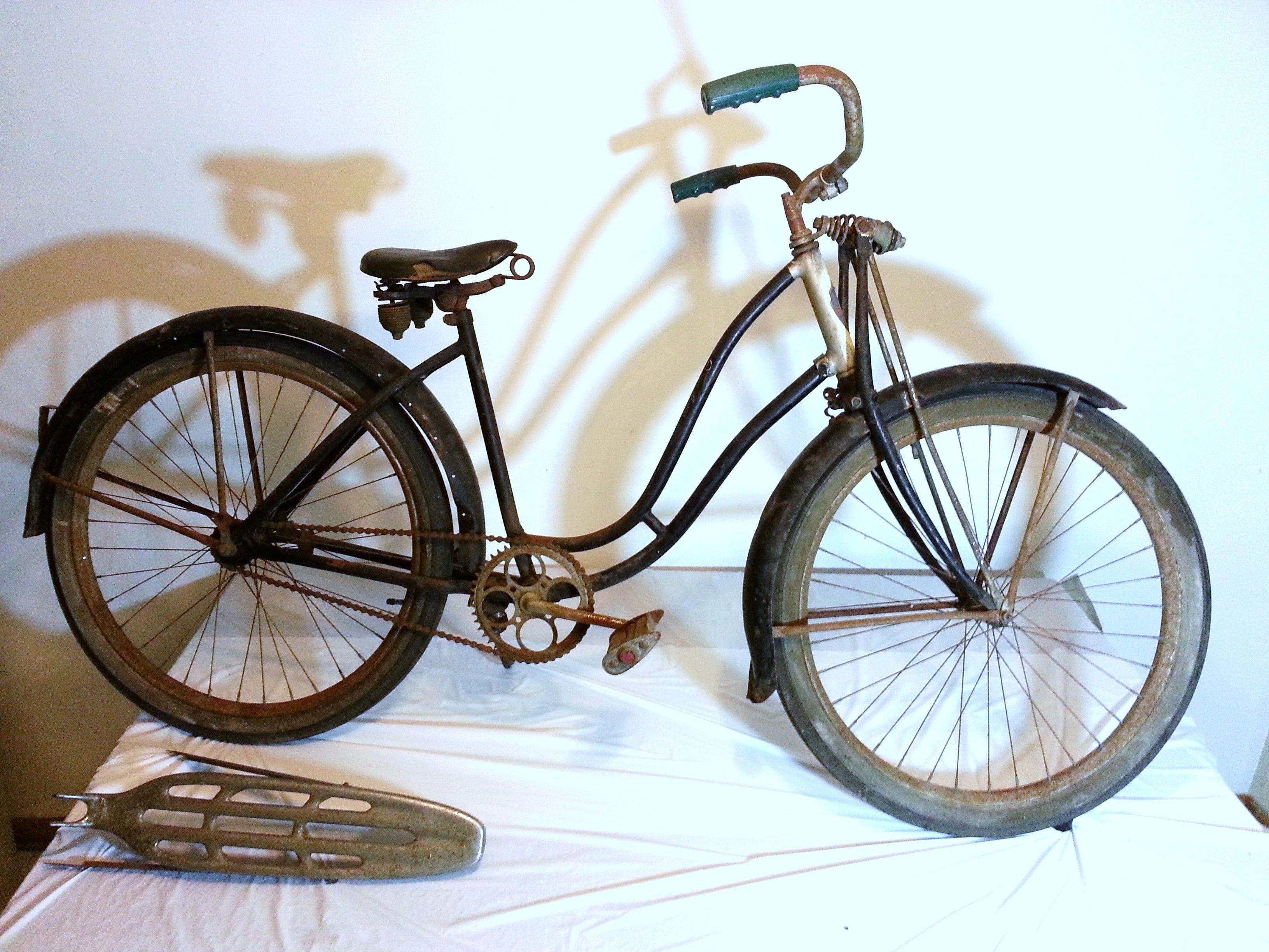 Very Old Schwinn Excelsior Pre War Ladies Bike With Springer Lock