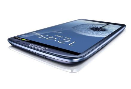 After the launch of Samsung Galaxy S3, Carphone Warehouse has announced that the new flagship phone can be pre-ordered.