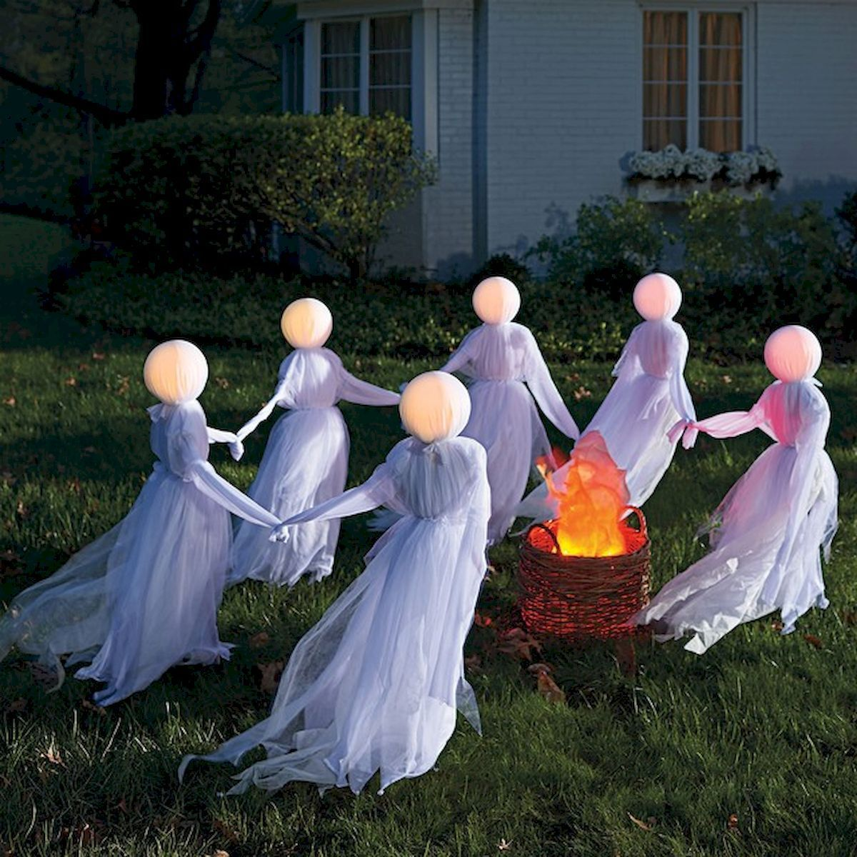 60 DIY Outdoor Halloween Decorations Ideas And Makeover