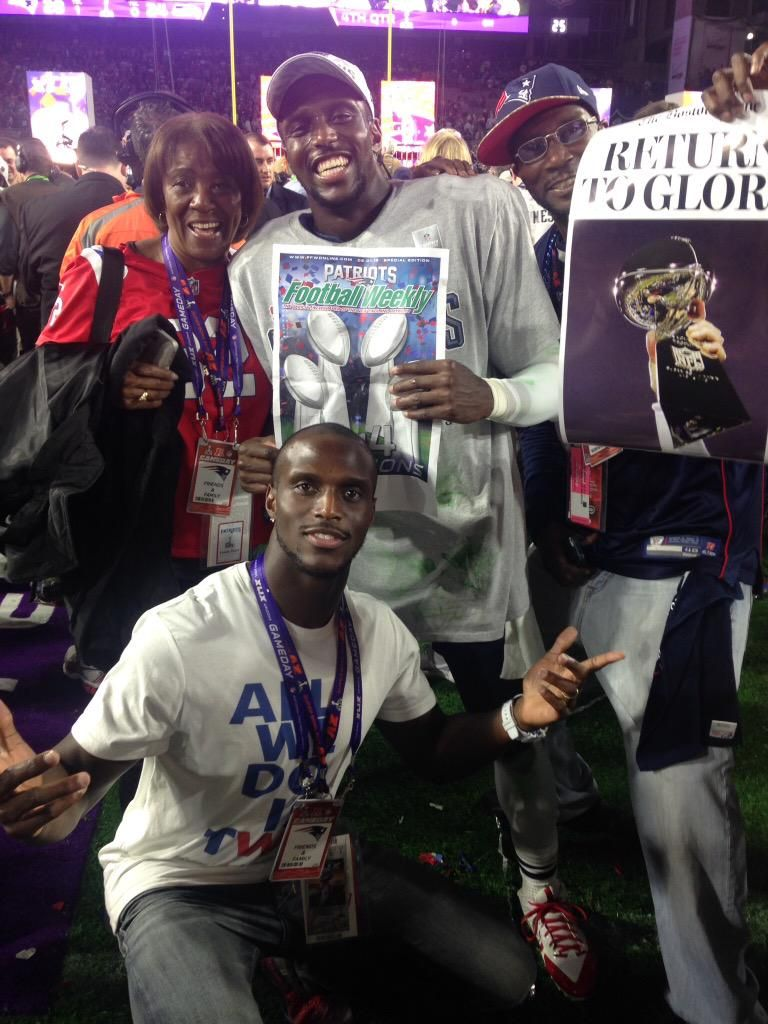 Mccourty Twins Mom On New England Patriots Players New England Patriots New England Patriots Merchandise