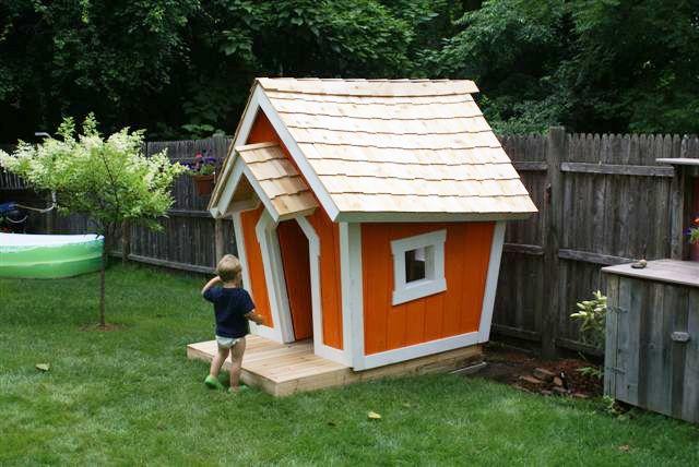 crooked playhouse 1 600x401 crooked playhouse 1.jpg