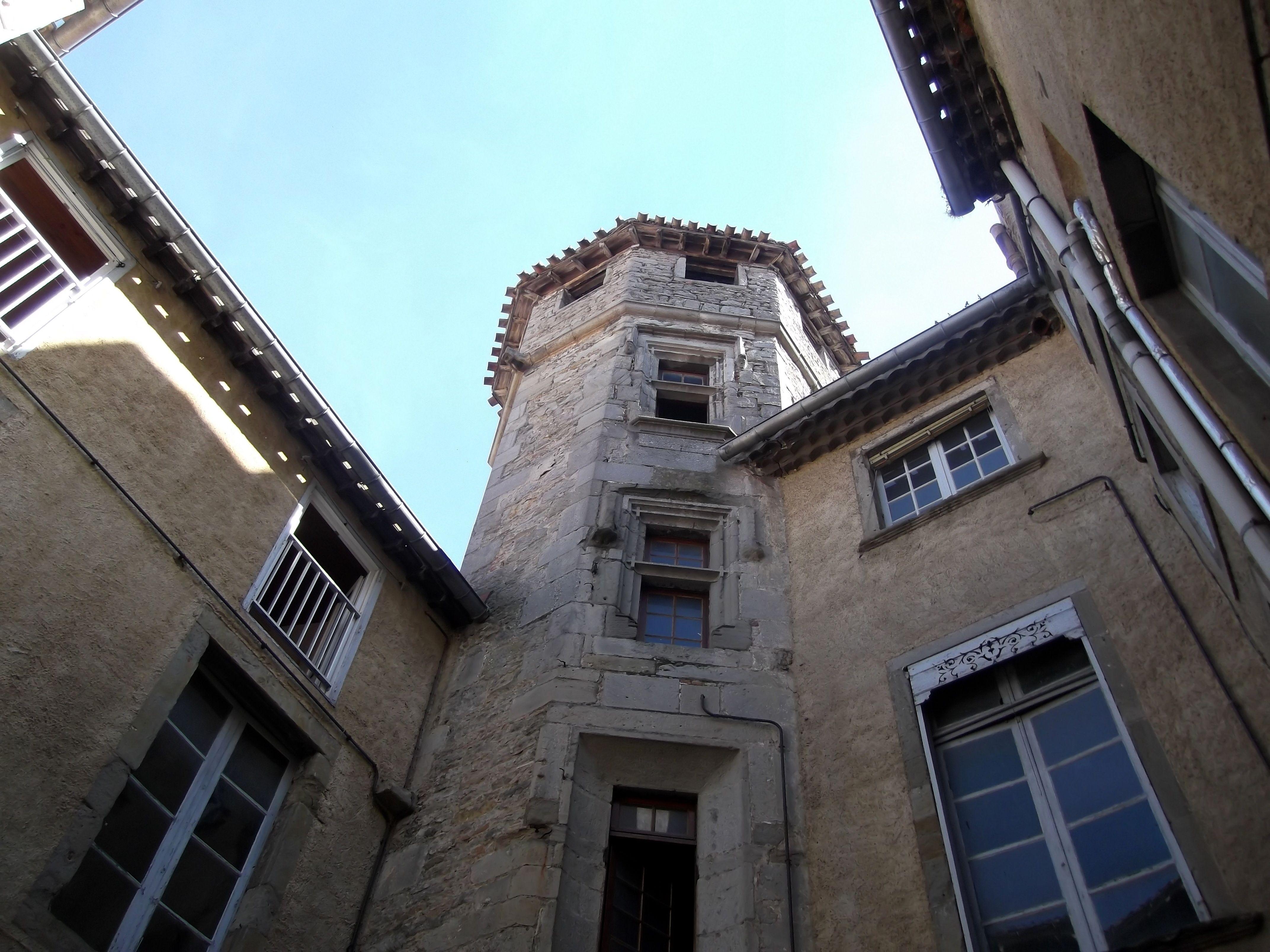 La tour hexagonale de Viguier de l'hôtel de SaintMartin