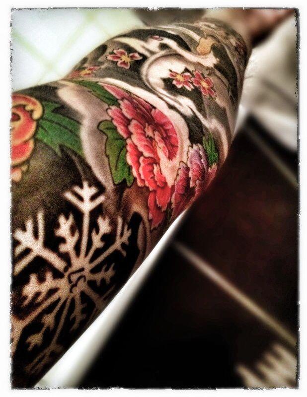 Schneeflocke, Asia Tattoo