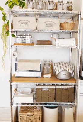 キッチン 台所 の場所別収納術アイデア サっと出してパっとしまって 手際よく楽 メタルラック 収納 メタルラック 収納 アイデア キッチン のデコレーション