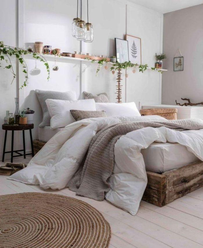 schlafzimmer komplett mit boxspringbett, ein dichtes bett belag auf palettenbett, möbel selber bauen