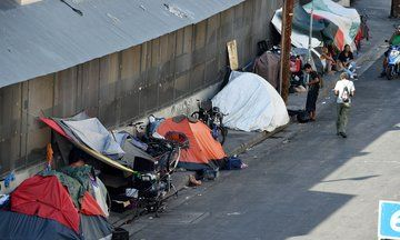 La To Turn Old Motels Hospitals Into 500 Apartments For Homeless Vets Hospital Vets Video Capture