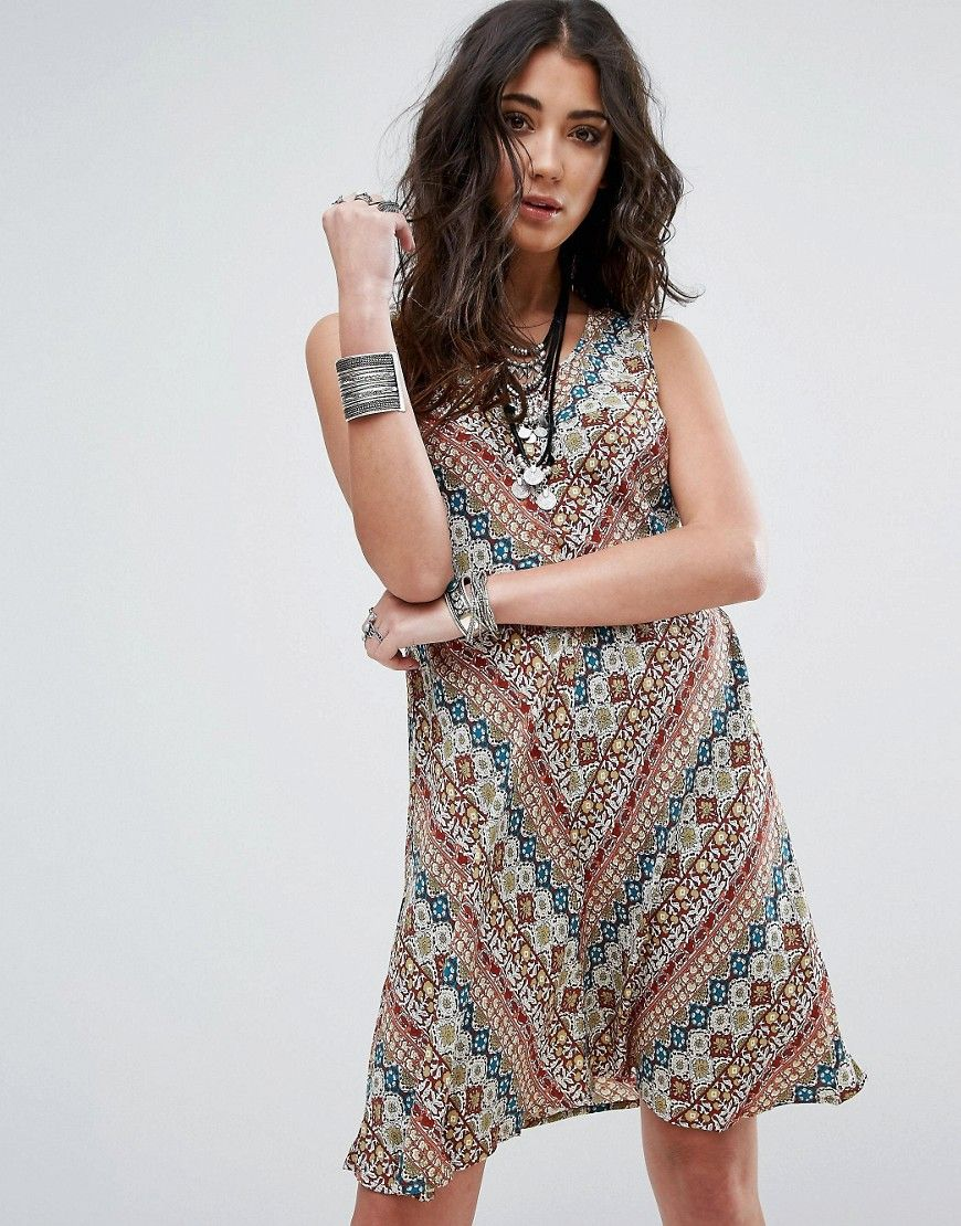 Buy it now. Glamorous Printed Dress - Multi. Dress by Glamorous, Woven fabric, Printed design, Scoop neck, Tie and zip-back fastening, Regular fit - true to size, Hand wash, 100% Cotton, Our model wears a UK XS/EU XS/US XS and is 170cm/5'7 tall. ABOUT GLAMOROUS An eclectic mix of vintage influences and contemporary partywear are at the heart of Manchester based label Glamorous, where individual style is the key. The carefully sourced fabrics and prints channel a fun and youthful vibe into…