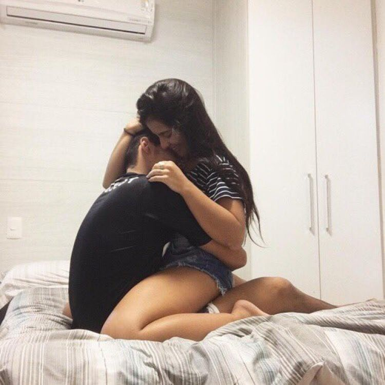 Pin By Katie Bates On Boyf Hugging Couple Tumblr Couples