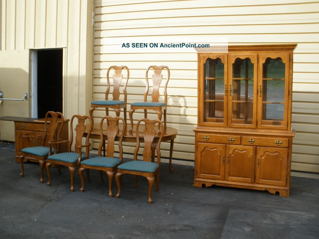 48685 thomasville oak dining room set china cabinet table 6