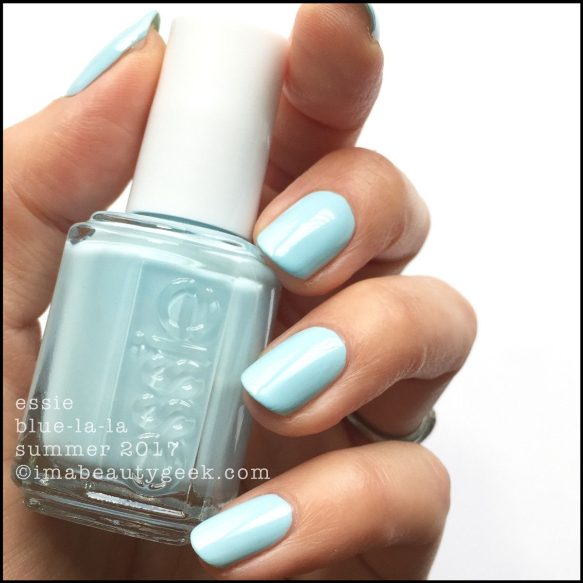 essie 39 s blue la la polish shellac from its summer 2017 collection pretty ice blue. Black Bedroom Furniture Sets. Home Design Ideas
