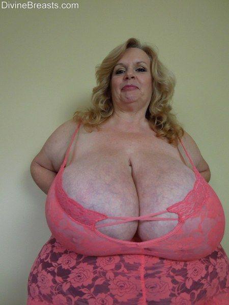 Big boob picture of sexeygirl