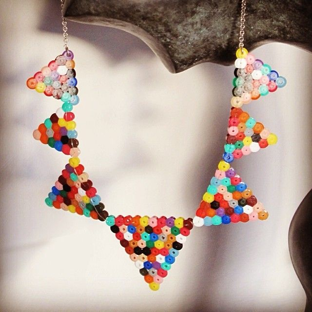 Necklace hama beads by victoria_paulus - perles à repasser : http://www.creactivites.com/229-perles-a-repasser