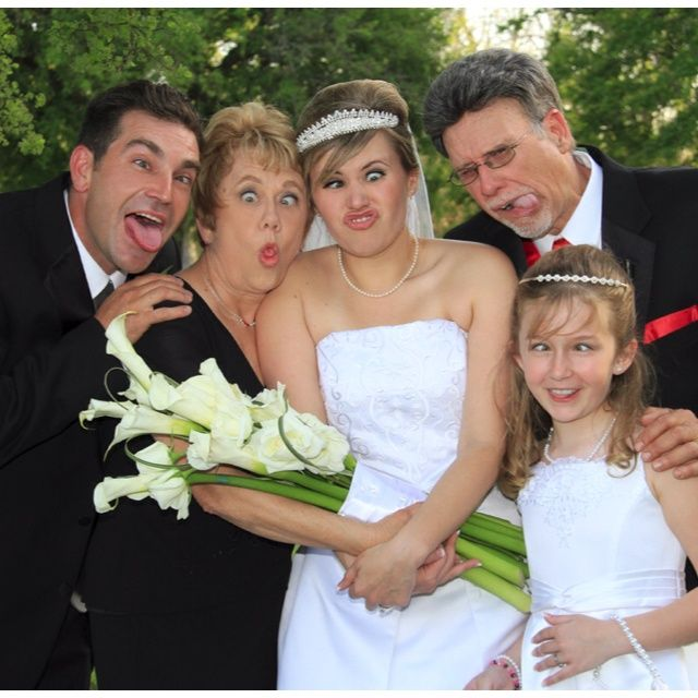 Fun Wedding Party Picture Ideas