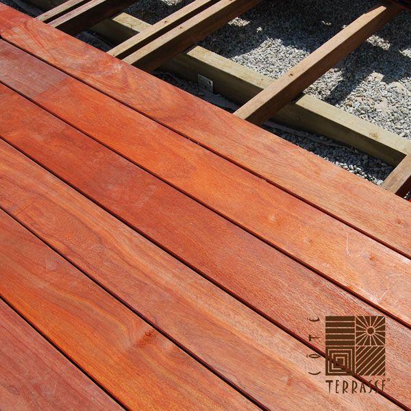 Une terrasse en bois r alis e en padouk bois africain - Terrasse bois padouk ...