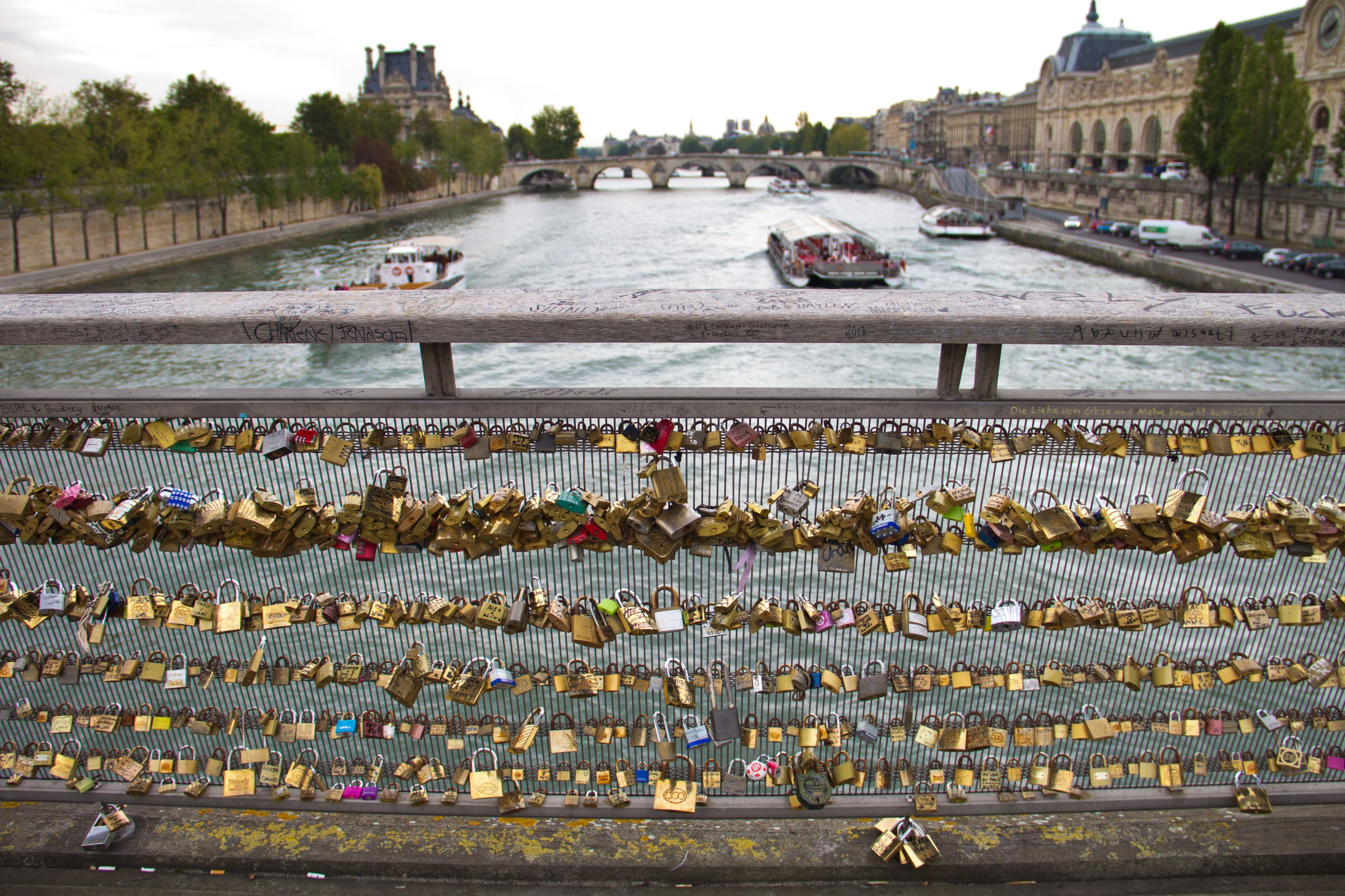Love lock bridge paris sightseeing pinterest for Love lock bridge in paris
