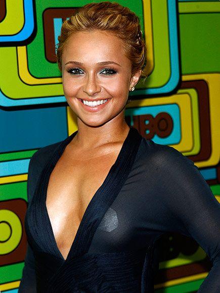 Hayden panettiere boob slip
