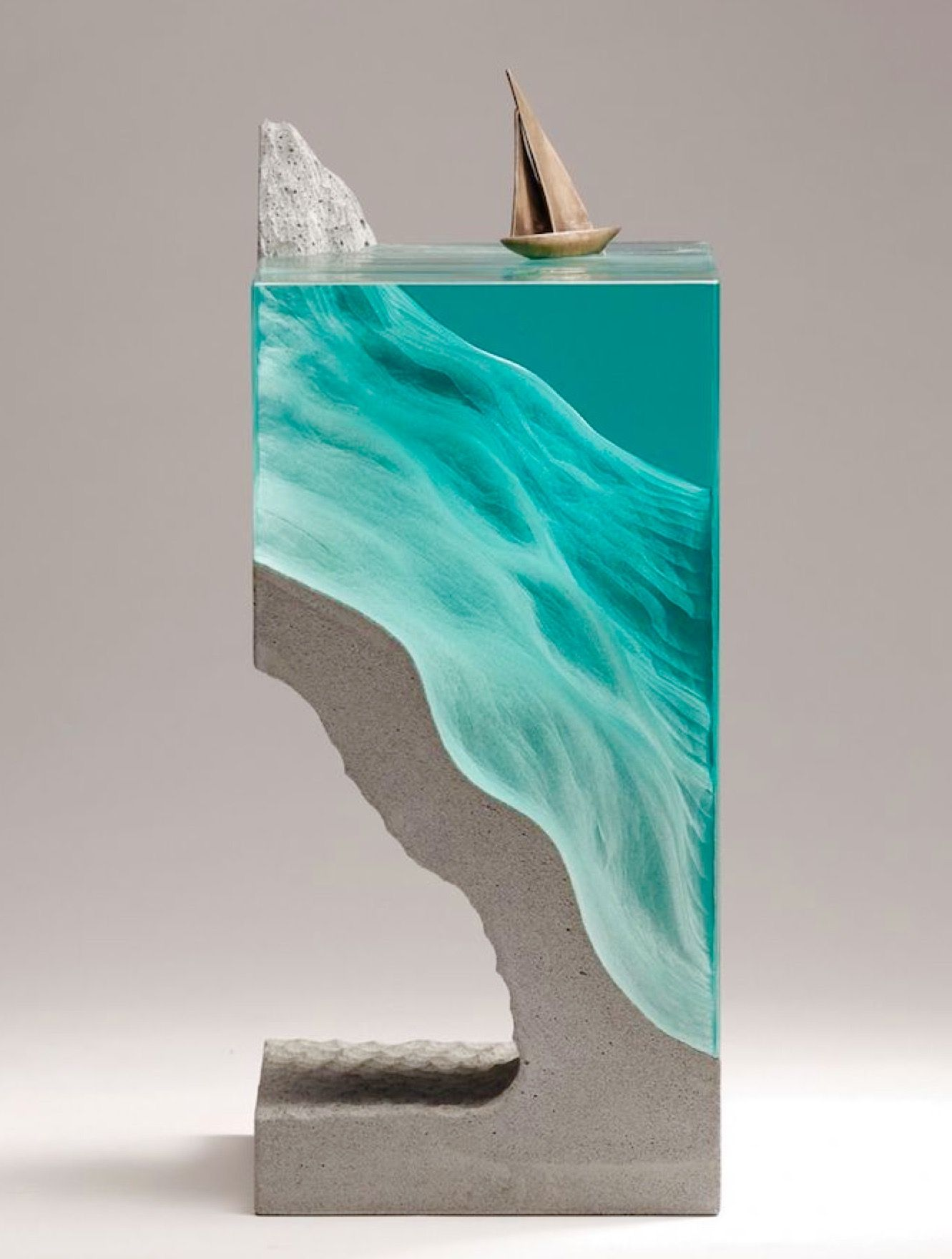 Small Sea Replica Concrete And Glass Small Magical Worlds - Incredible layered glass table mimics oceans depths