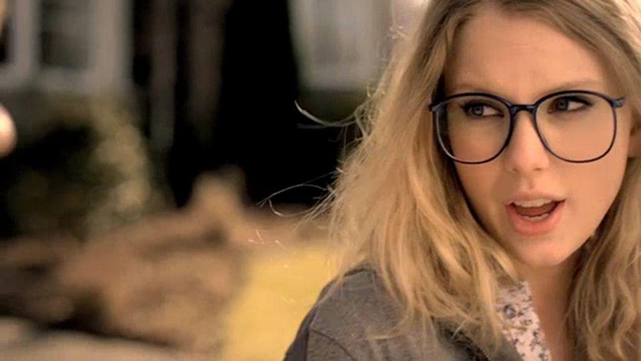 Taylor Swift Image Taylor Swift You Belong With Me Music Video Taylor Swift Images Taylor Swift Music Videos Taylor Swift Outfits