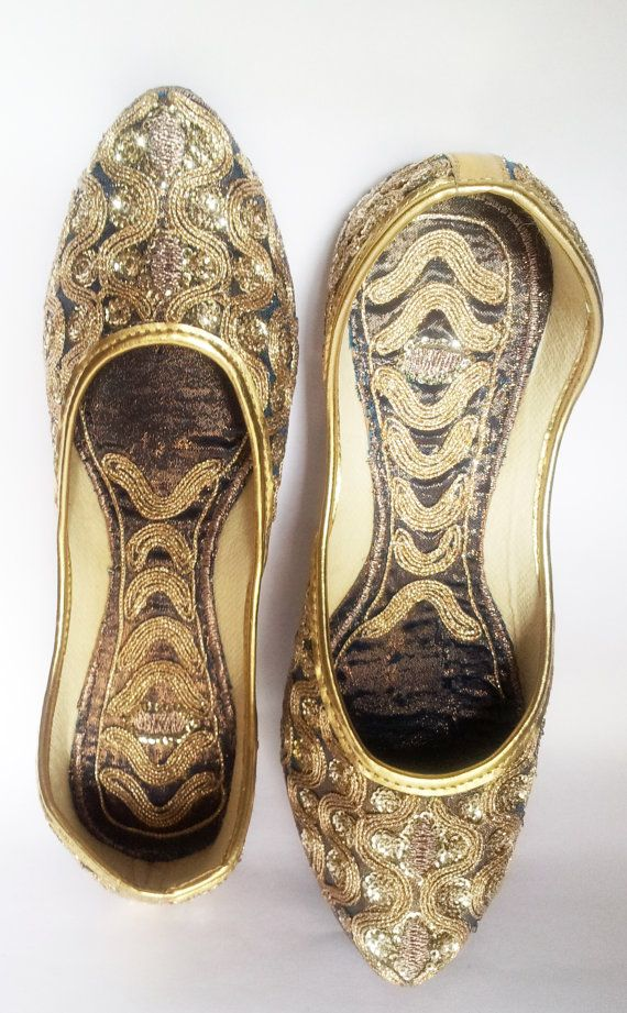 64fad3800ea4 US size 9 Champagne Shoes Women Ballet Flats Gold by Magicstring. Find this  Pin and more on wedding ...
