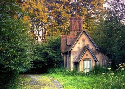 I'm so intrigued by houses like this.  I always want to see the inside. . .