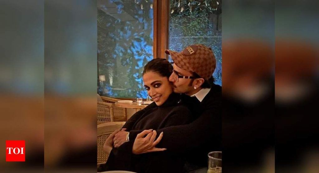 Ranveer Singh Shares A Super Sweet Picture With Deepika Padukone On Her Birthday Calls Her Biwi No 01 Trendy Cow In 2021