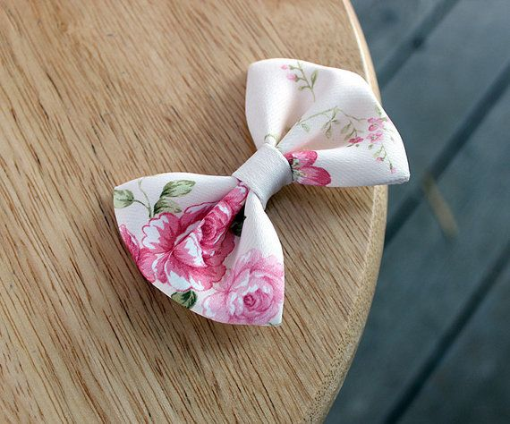 Items similar to 2.75 floral fabric hair bow, pink floral rose hair bow, flower hairbow clip, small hair bow, cottage chic, hairbows for girls and women on Etsy