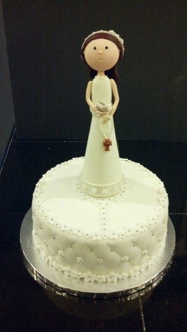 First communion cake. Vainilla cake with Chocolate mousse.