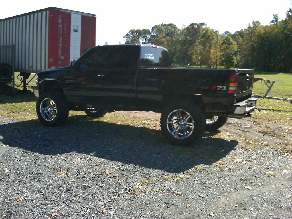 All Chevy 2002 chevy 1500 lifted : 2002 Chevy Silverado 1500 Lifted | these are a few crappy cell ...