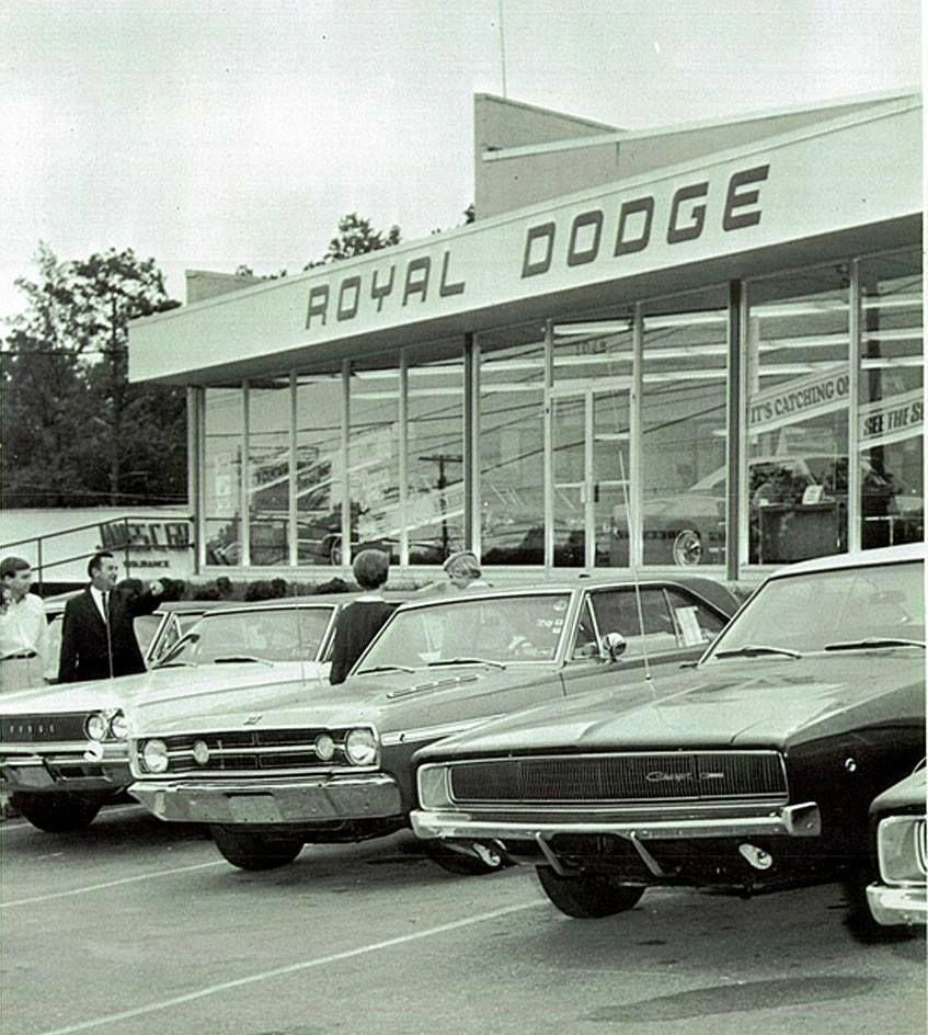 Dodge Dealership 1968 Left To Right Dodge Coronet Dodge Dart And Dodge Charger Americanmusclecarsmustang Dodge Dealership Dodge Muscle Cars Dodge