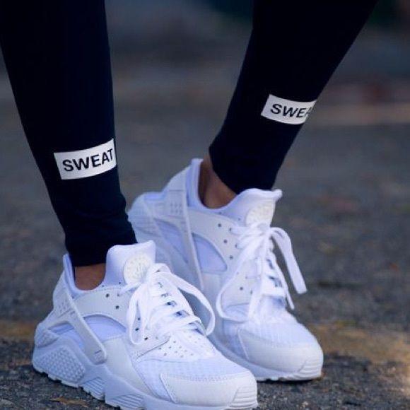 f15b6f07beda Nike Huaraches All white Nike Huaraches
