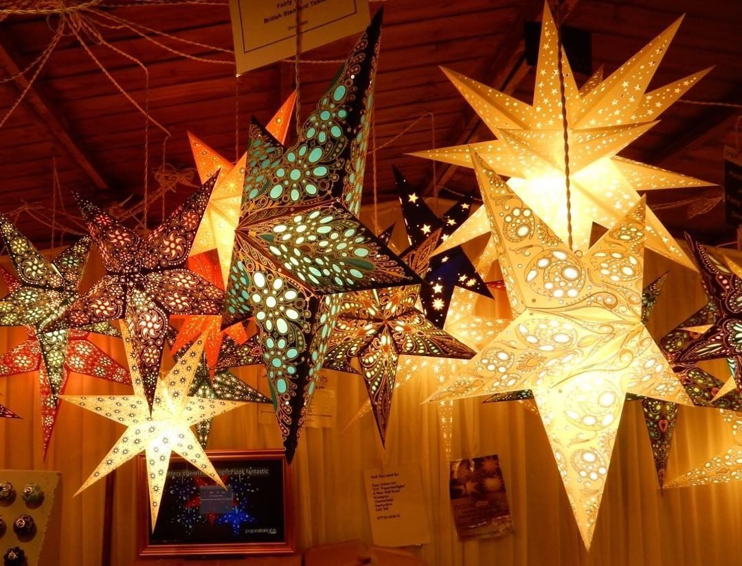 Paper star lanterns - Christmas markets, York. 2017 | Favourite ...