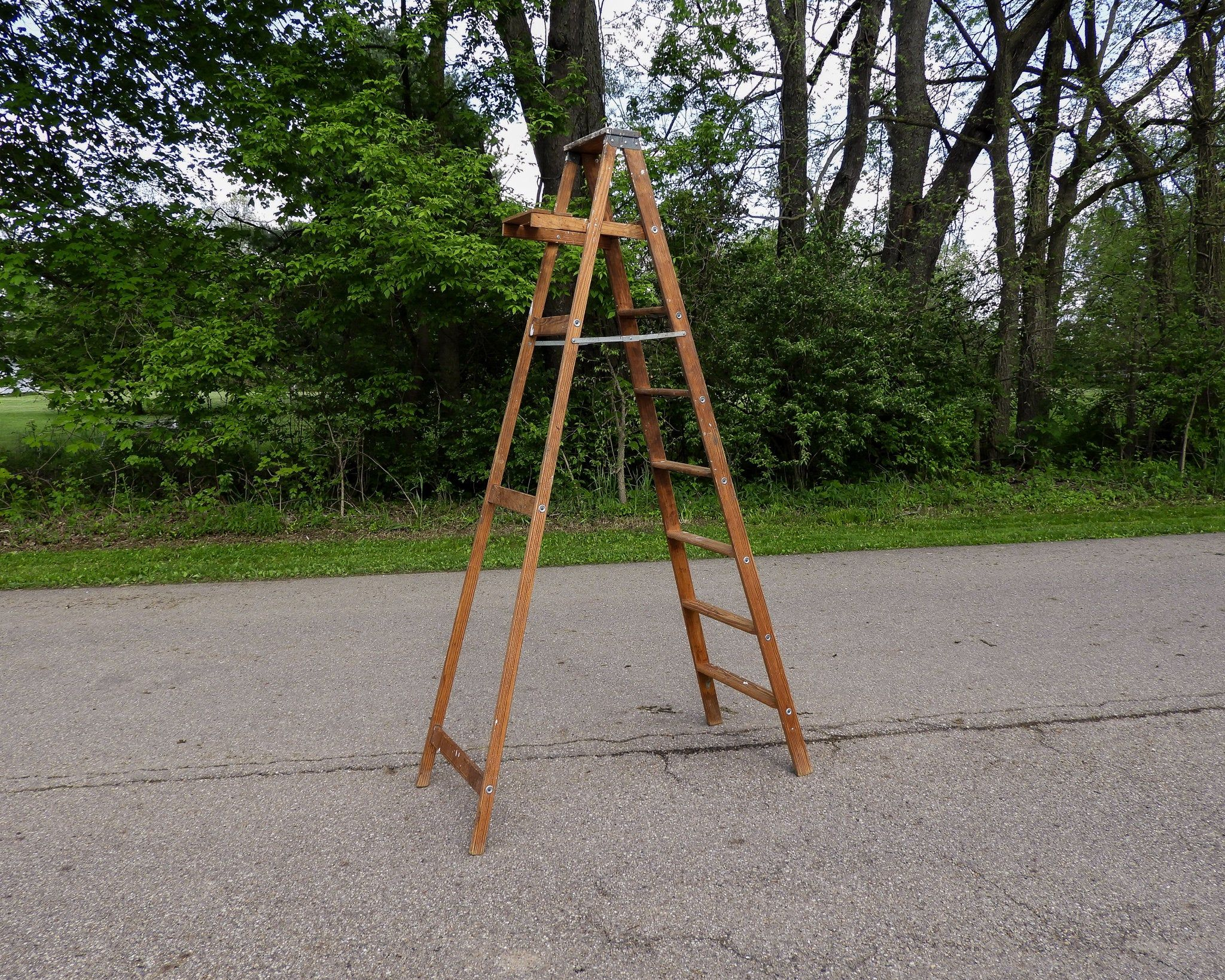 Vintage Step Ladder Wood Archbold Wooden Rack 8 Ft 225 Etsy In 2020 Wooden Rack Quilt Display Step Ladders