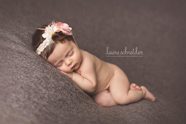 Så söt! http://www.lauraschneiderphotography.com/
