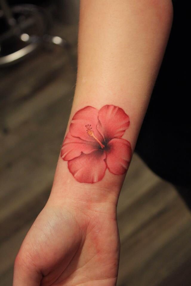 I Love The Color And The Outline Hawaiian Flower Tattoos