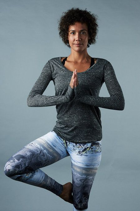 Onzie - Yoga Clothes | Wave long sleeve top just arrived in Shala Boutique. It's time to get cozy in #jacksonhole.
