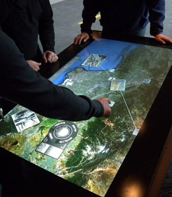 Table Tactile Pour Musees Et Institutions Decouverte Du Patrimoine Multitouch Table Designed For Museums And All Cultural Institut Table Tactile Museographie