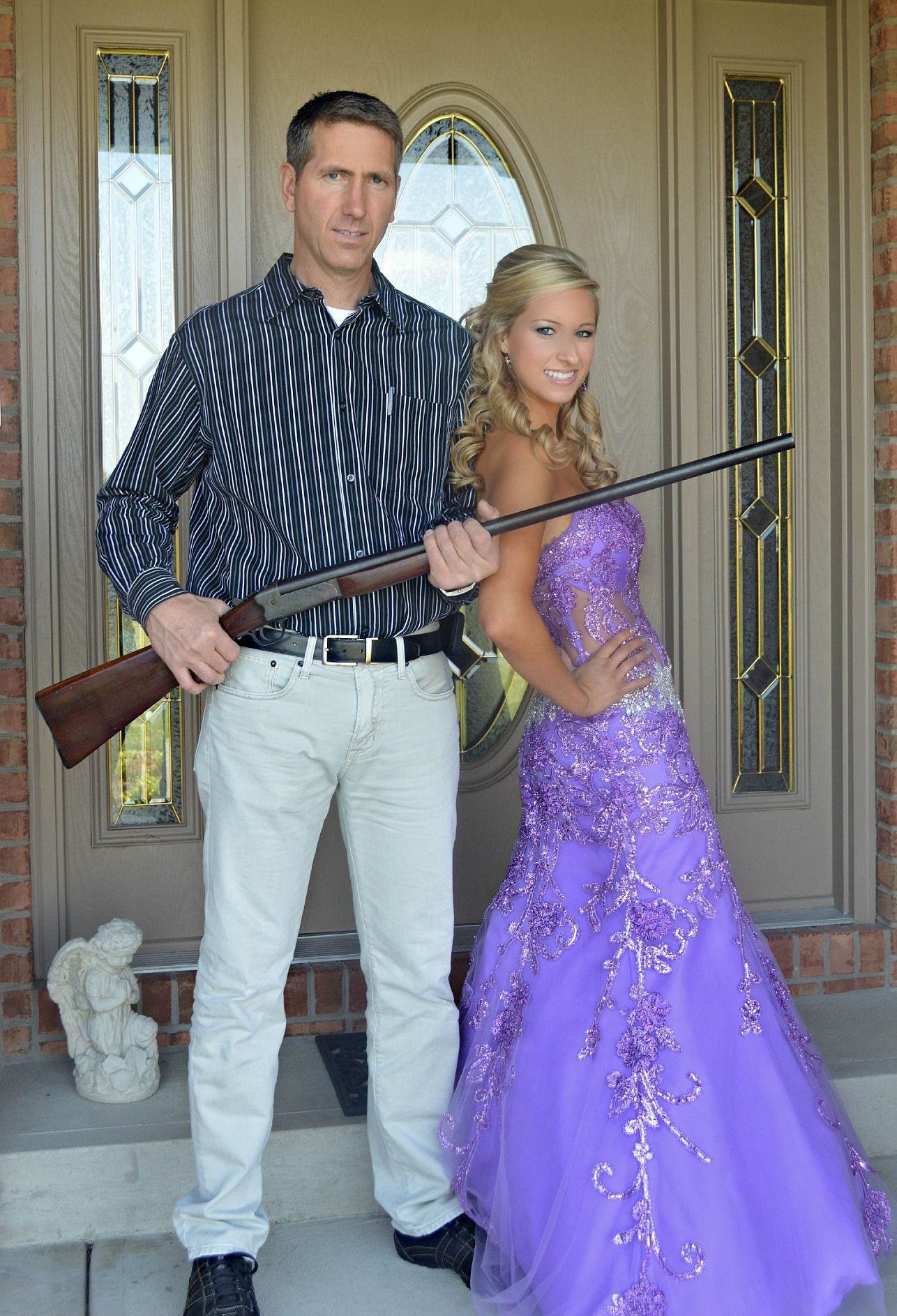 Dad   daughter prom picture idea so funny and trueMy 2014 prom picture with Dad   prom   homecoming   Pinterest  . Fun Day Date Ideas For Prom. Home Design Ideas